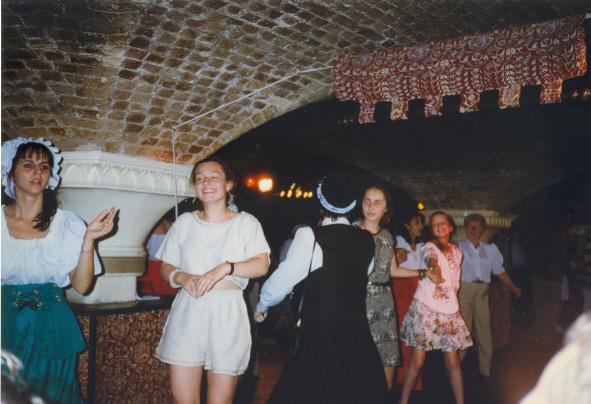 """Апрель 1996 г, участие в Международном проекте Globelink на базе шекспировского театра """"Глобус"""" 10 класс"""